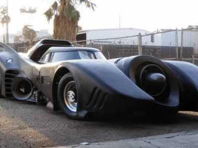 周杰伦蝙蝠车 按键多如飞机